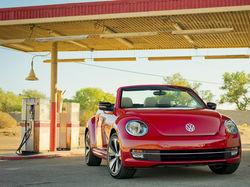 Volkswagen официально презентует кабриолет Beetle