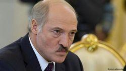 Лукашенко требует денег