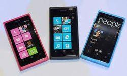 Nokia Lumia 920 «выжил» после наезда огромного грузовика