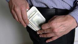 Партия Жириновского предлагает запретить хождение доллара в России
