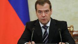 Медведев рассказал о пользе антитабачного закона