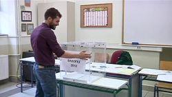 В Греции побеждают консерваторы.