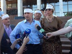 Народные депутаты прекратили голодовку