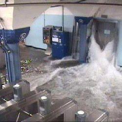 Нью-Йоркское метро затоплено