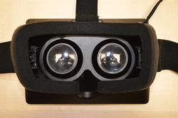 Геймерам придется подождать Oculus Rift до весны следующего года