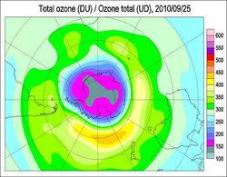 Озоновая дыра над Антарктикой