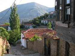 Почему грекам в Турции запретили приобретать недвижимость?
