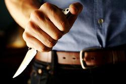 Подсудимый ранил ножом двух судей
