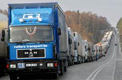 Узбекистан начал пропуск в страну грузовиков