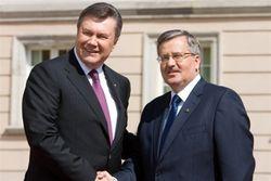 Янукович встретился с Коморовским