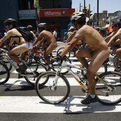 Пробег голых велосипедистов