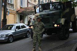Пробка в Новорижском шоссе остановила движение военной колонны