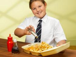 Лишний вес у детей может негативно влиять на слух – ученые