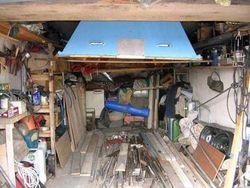 Трое мужчин погибли в гараже