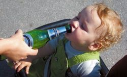 Алкоголизм передается ребенку от матери