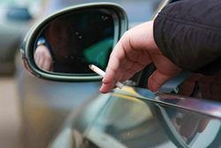 Езда в машине курильщика