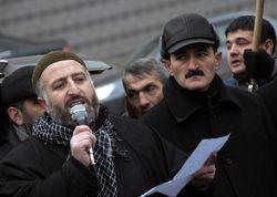 В Баку требовали разрешить хиджабы для школьниц