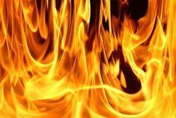 воспламенившийся бензин