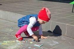 В Гродно ребенок гвоздями изрисовал 14 автомобилей