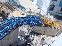 В Гурзуфе упал башенный кран