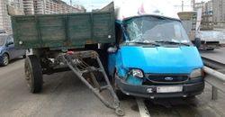 В Минске от МАЗа отцепился прицеп и врезался в иномарку