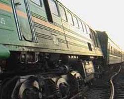 поезд столкнулся с легковым автомобилем