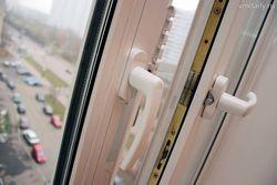 В Москве девятиклассница выбросилась из окна