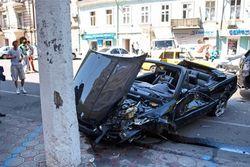 BMW протаранил шесть автомобилей