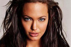 Анджелина Джоли сыграет ведьму