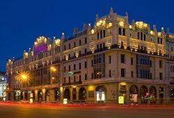 Владелец Azimut Hotels