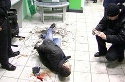 Преступник подстрелил охранников