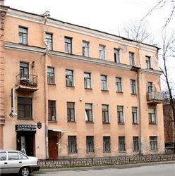 Как в Петербурге здания продолжают травмировать людей?