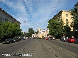 В Петербурге водитель на иномарке протаранил остановку