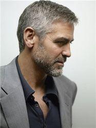 Как связаны Клуни и Берлускони, обвиняемый в интиме с несовершеннолетней?