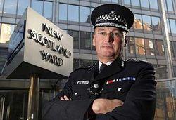 Журналистский скандал привел к отставке комиссара полиции?
