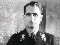 Власти Германии сожгут останки сподвижника Гитлера?