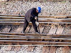 Опора ЛЭП рухнула на скоростной поезд в Неаполе