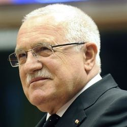 В какой краже обвиняют президента Чехии?