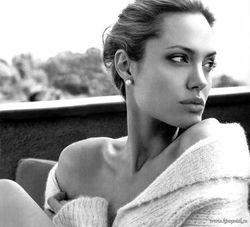 За что Джоли получит десять «лимонов»?