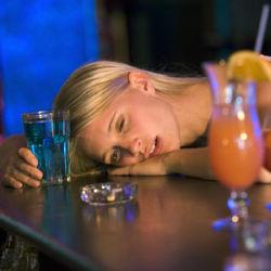Кто виноват в женском алкоголизме?