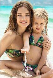 Водянова сняла 5-летнюю дочь в рекламе купальников?