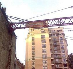 Из-за чего рухнул строительный кран в Киеве?