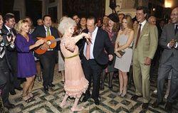 Испанская герцогиня отказалась от денег и вышла замуж