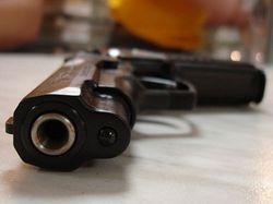 Два пистолета не помогли москвичу – его избили и ограбили