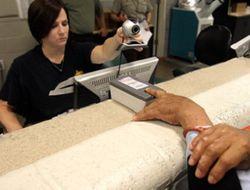 В 2011 году России появится загранпаспорт с «пальчиками»?