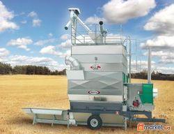 Российские аграрии придерживают зерно нового урожая