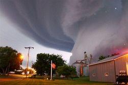 В США разбушевались торнадо: дома улетали с фундаментом