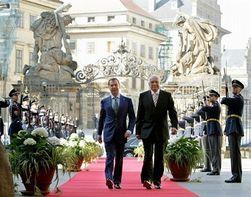 Медведев и Клаус обсудили причины и последствия кризиса в ЕС