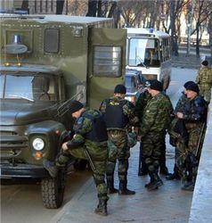 В Самаре правоохранители за день задержали около ста молодых людей