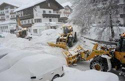 В Альпах природа заблокировала туристам путь домой